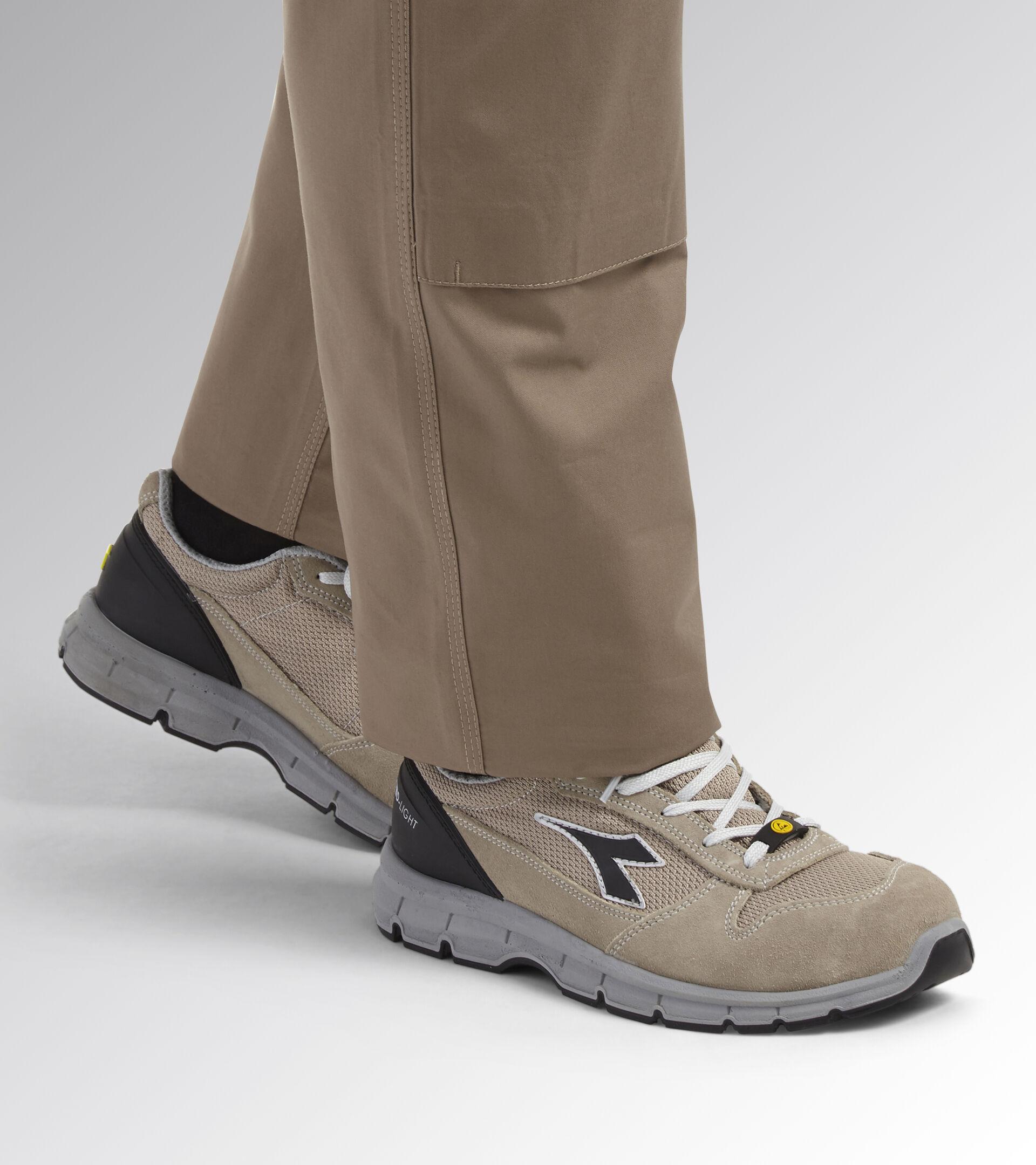 Footwear Utility UNISEX RUN TEXT LOW S1P SRC ESD SAND/SAND Utility