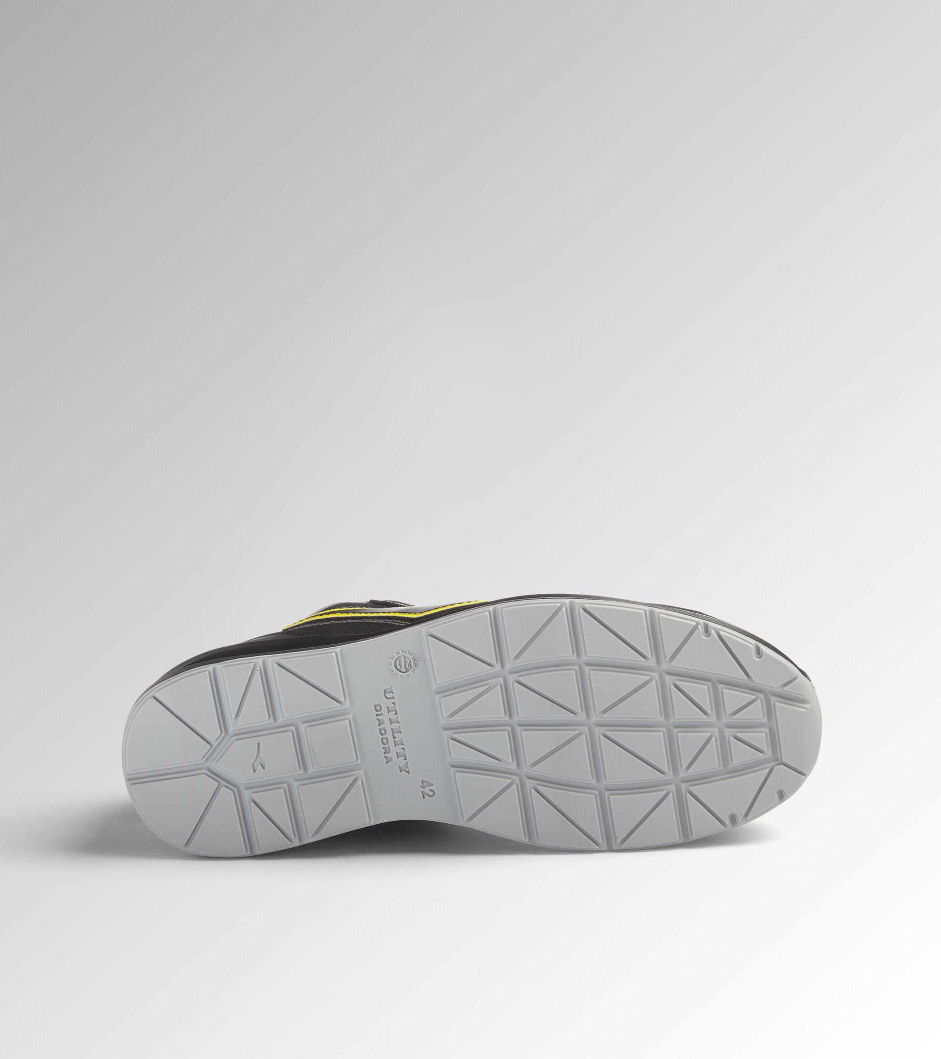 Footwear Utility UNISEX RUN NET AIRBOX MATRYX LOW S3 SRC BLACK /BLACK Utility
