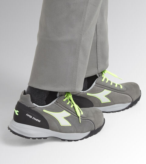 Footwear Utility UNISEX GLOVE MDS LOW S3 HRO SRC COAL/GREEN FLUO Utility