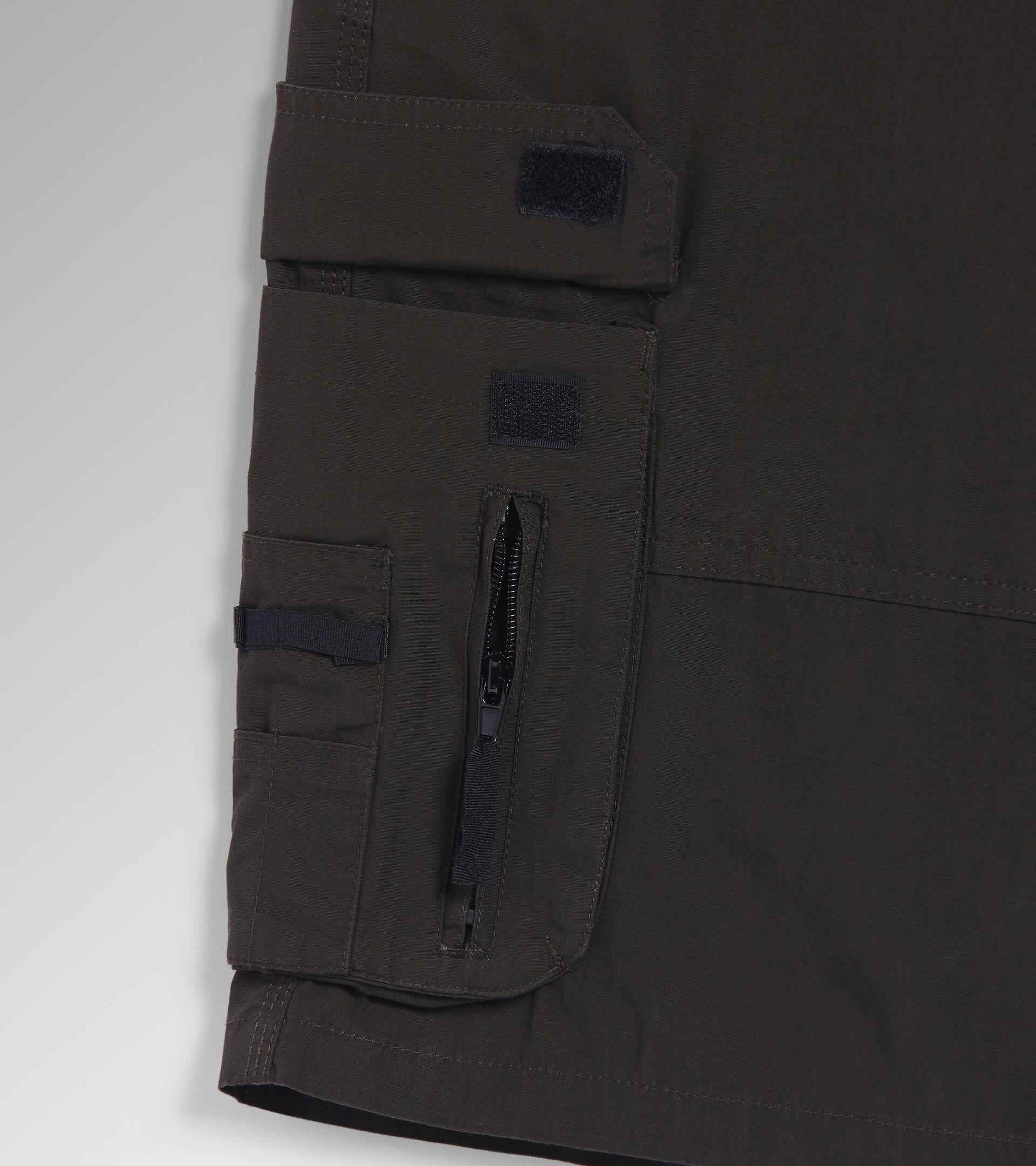 Apparel Utility UOMO BERMUDA WONDER BLACK FIR GREEN Utility