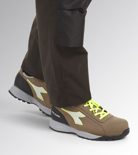 Footwear Utility UNISEX GLOVE MDS LOW S3 HRO SRC BROWN TOBACCO/YELLOW FLUO Utility