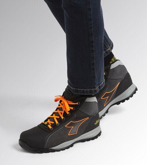 Footwear Utility UNISEX GLOVE NET MID PRO S3 HRO SRA ESD ASPHALT/ORANGE FLUO Utility